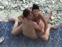 casal transando na praia